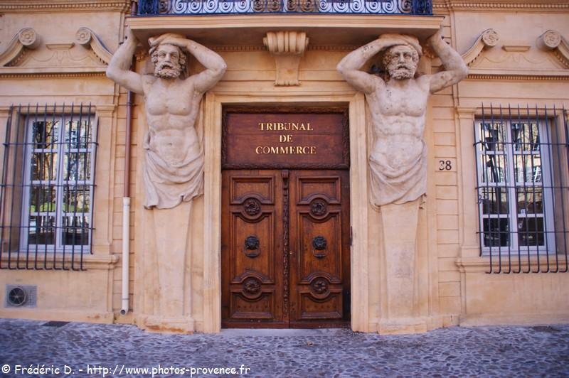 Le cours mirabeau d 39 aix en provence for Cote commerce aix en provence